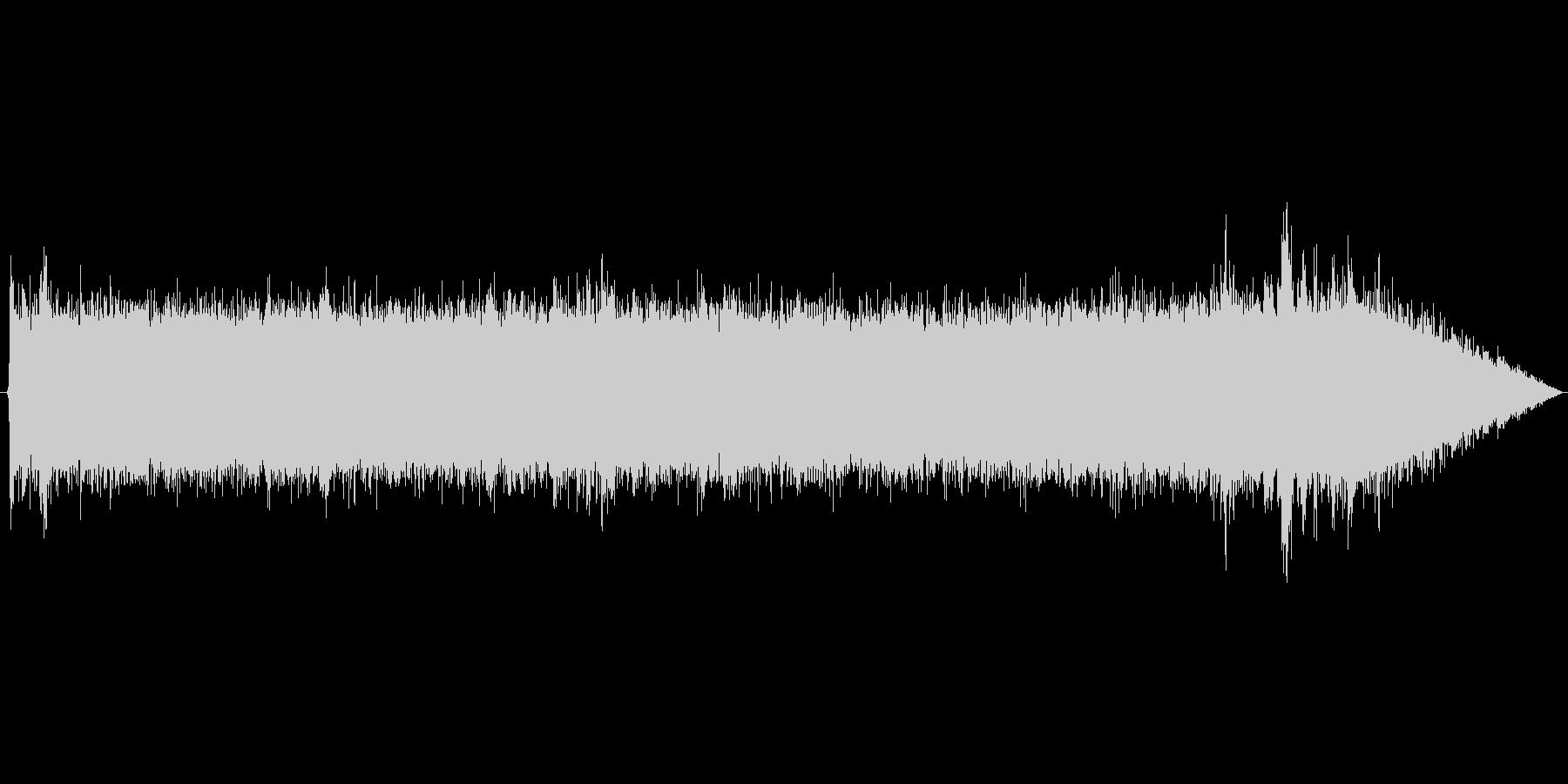 山の水辺の環境音 の未再生の波形