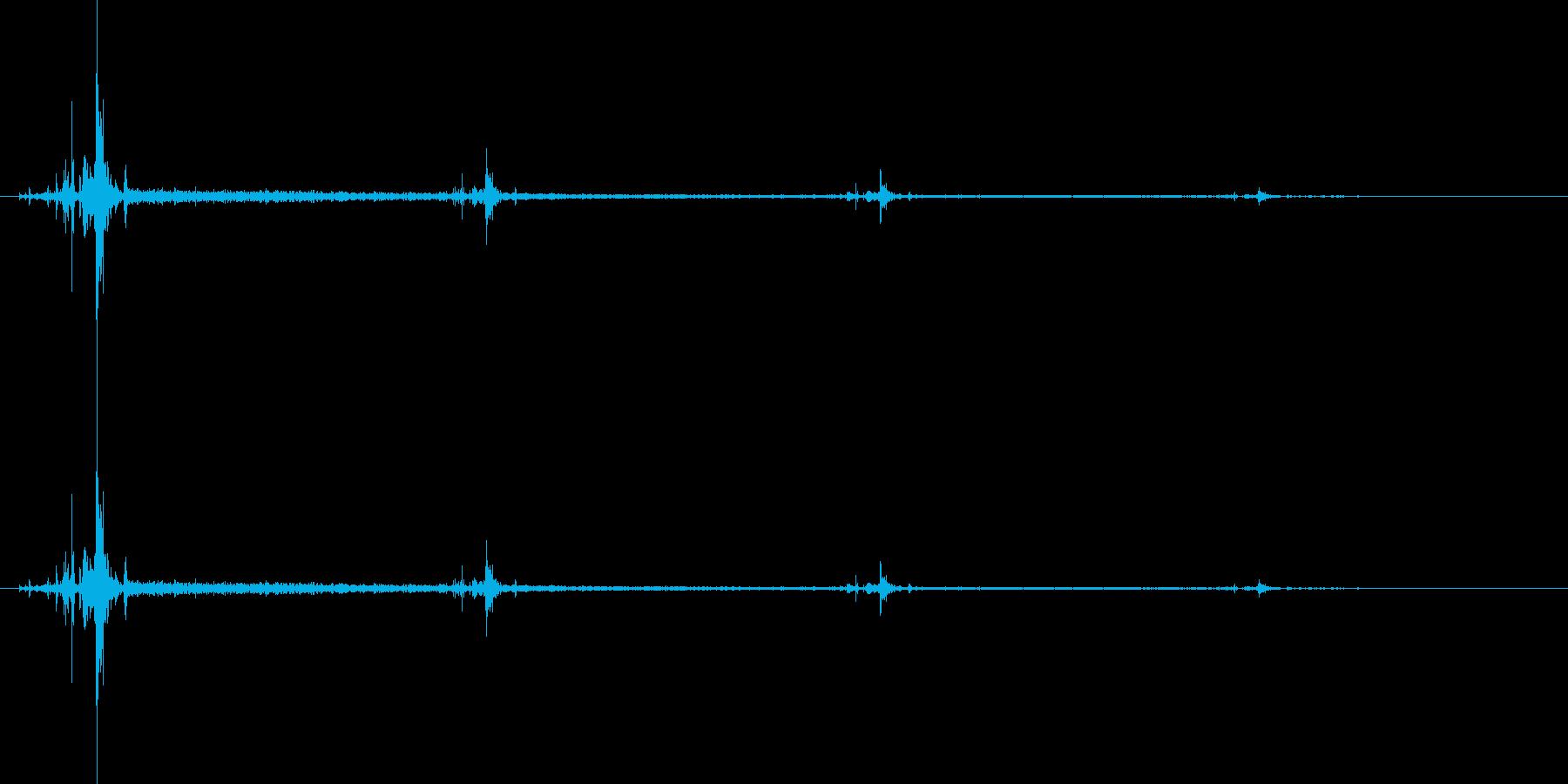 ピキッ……【ショックで固まる、呆然】の再生済みの波形