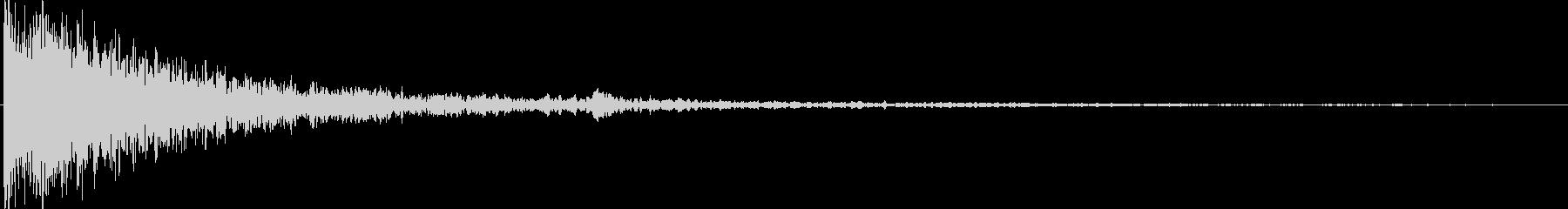 オリジナルシンセによる衝撃音の未再生の波形