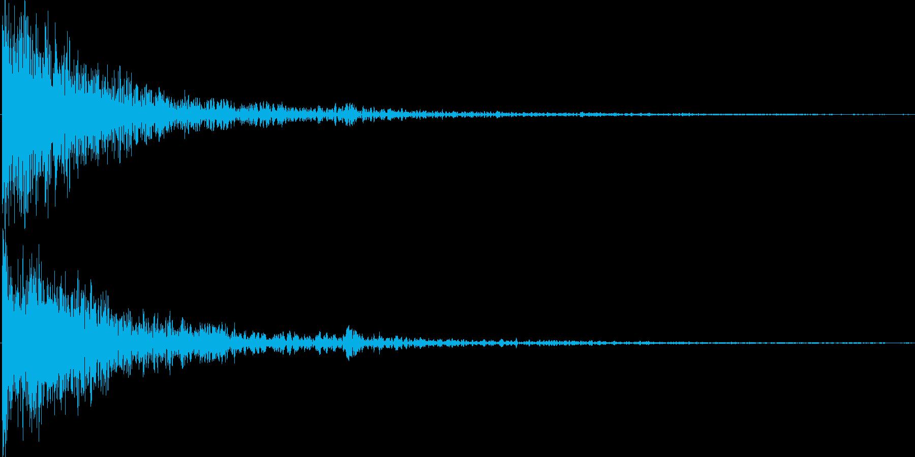 オリジナルシンセによる衝撃音の再生済みの波形