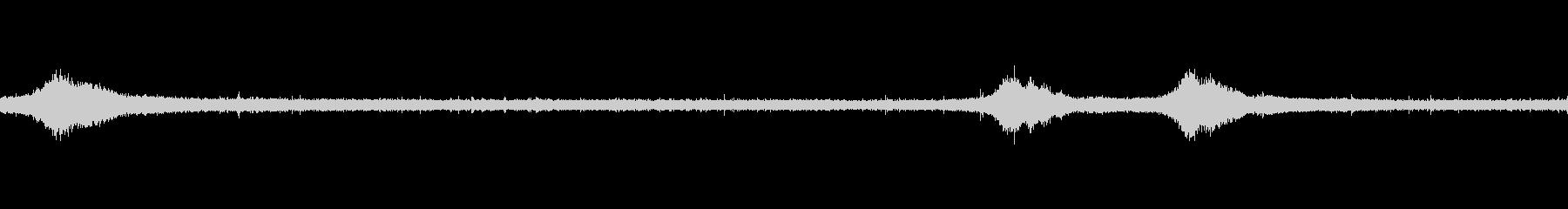 【生音】雨の日の通行音 - 4 雨 車…の未再生の波形