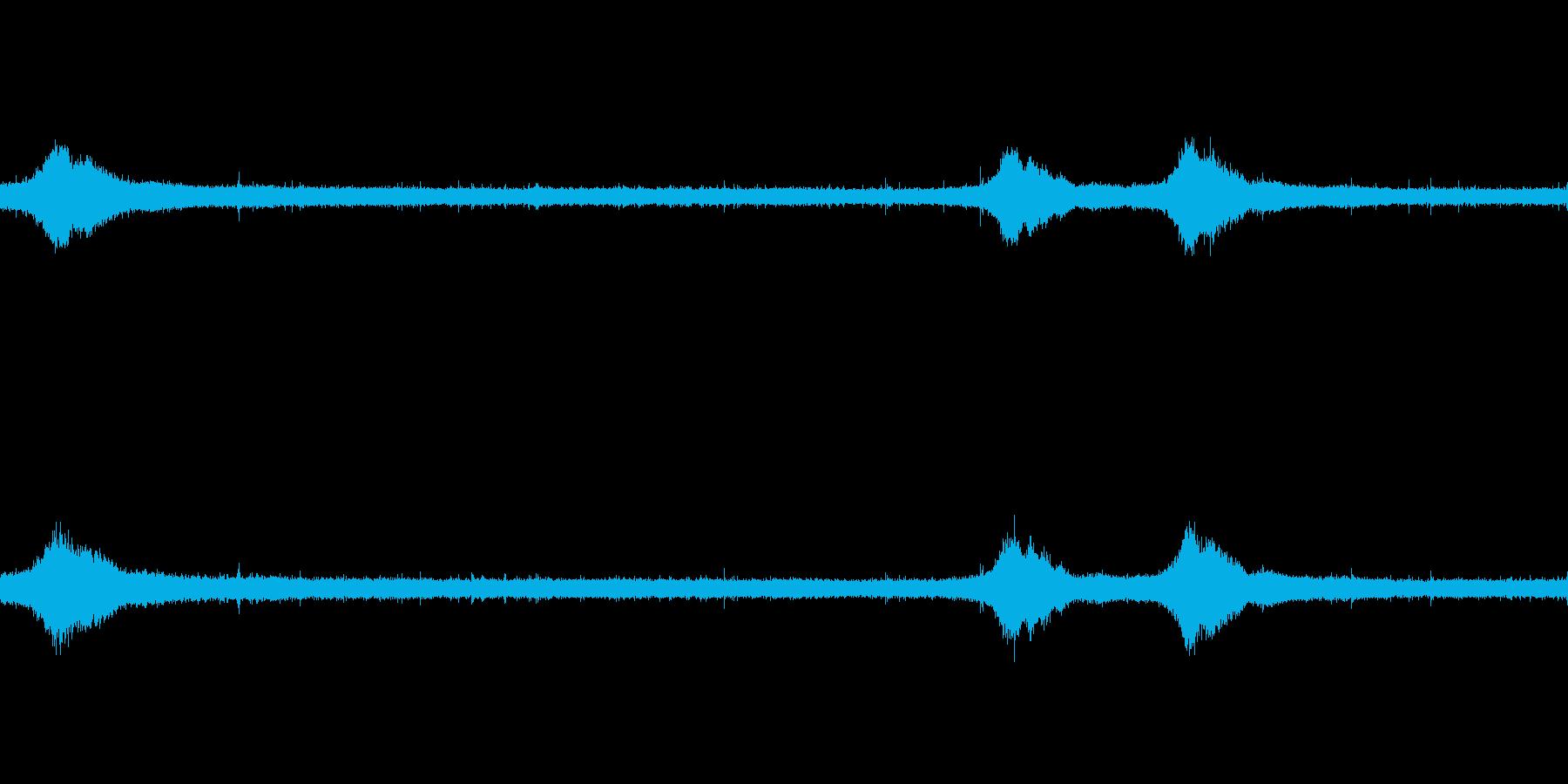 【生音】雨の日の通行音 - 4 雨 車…の再生済みの波形