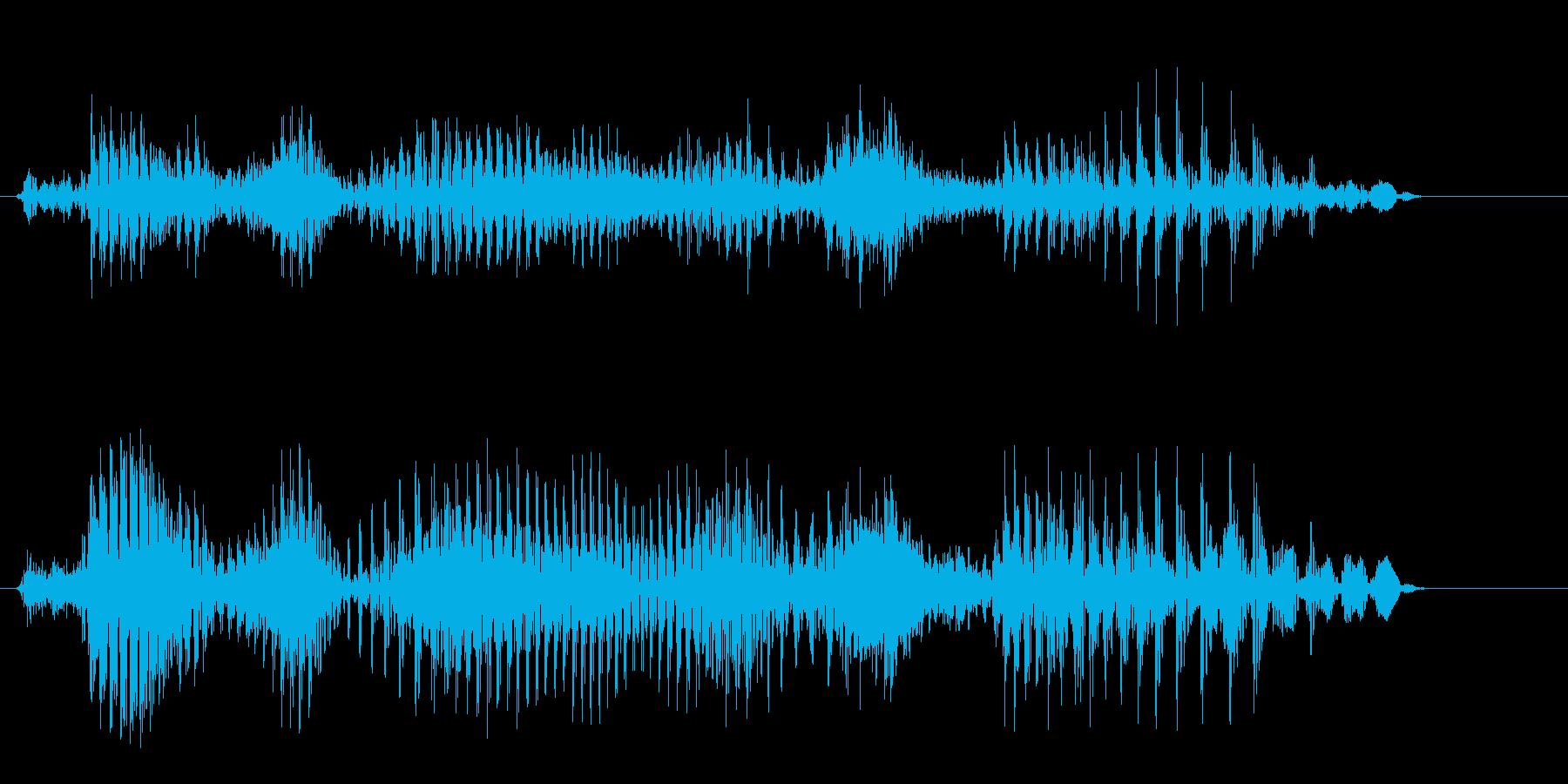 何かの開始を告げるカタコトの男性の声の再生済みの波形