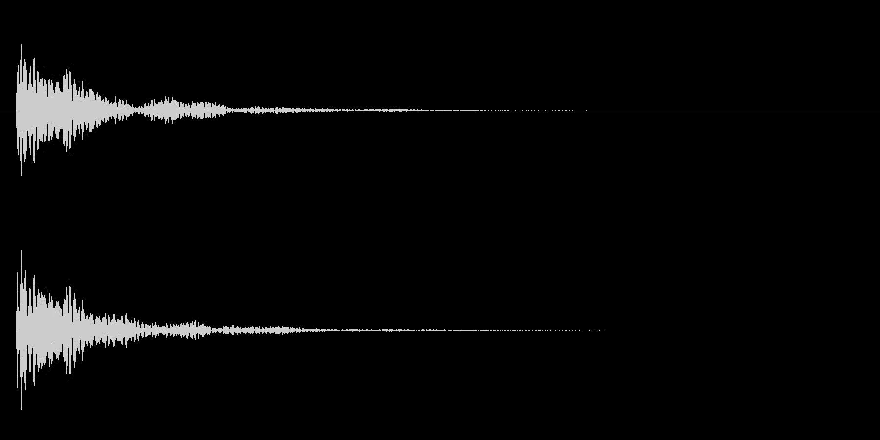 ドドン!という太鼓を叩く音の効果音SE…の未再生の波形