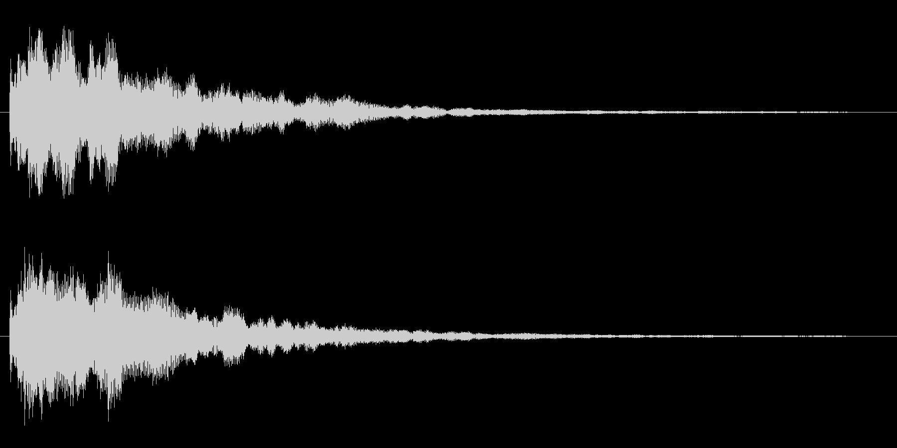 カーンというきれいな金属音の未再生の波形