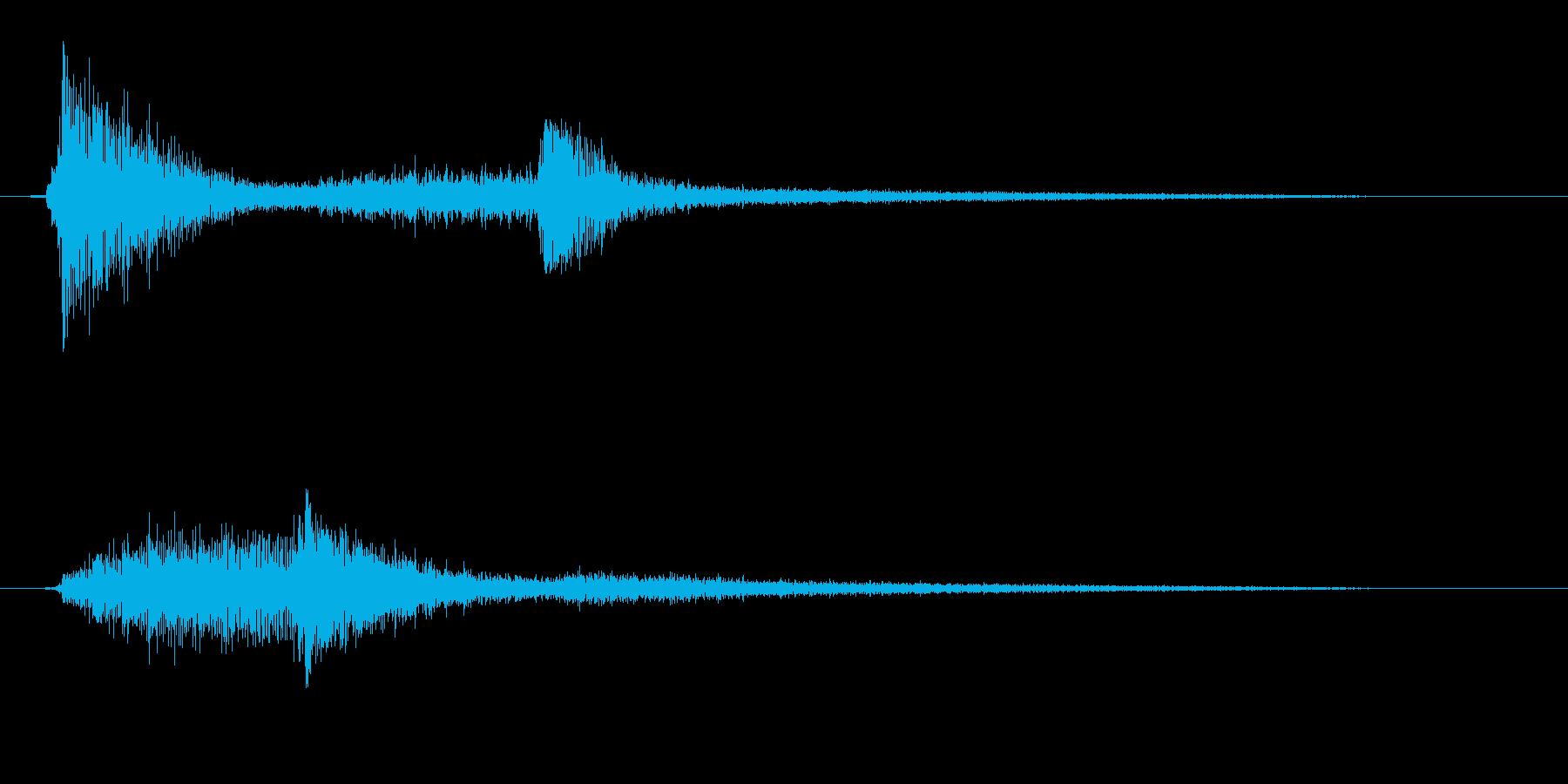 カシャン(金属製の道具の落下音)の再生済みの波形