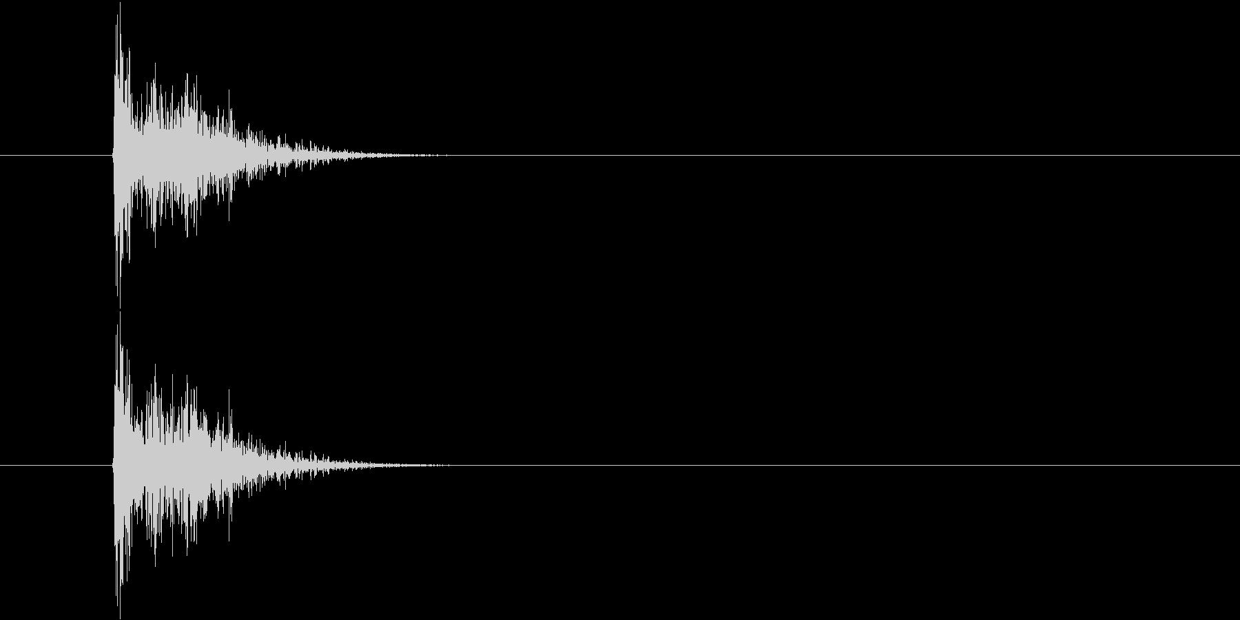 タンッ(小さめのピストル発射音)の未再生の波形