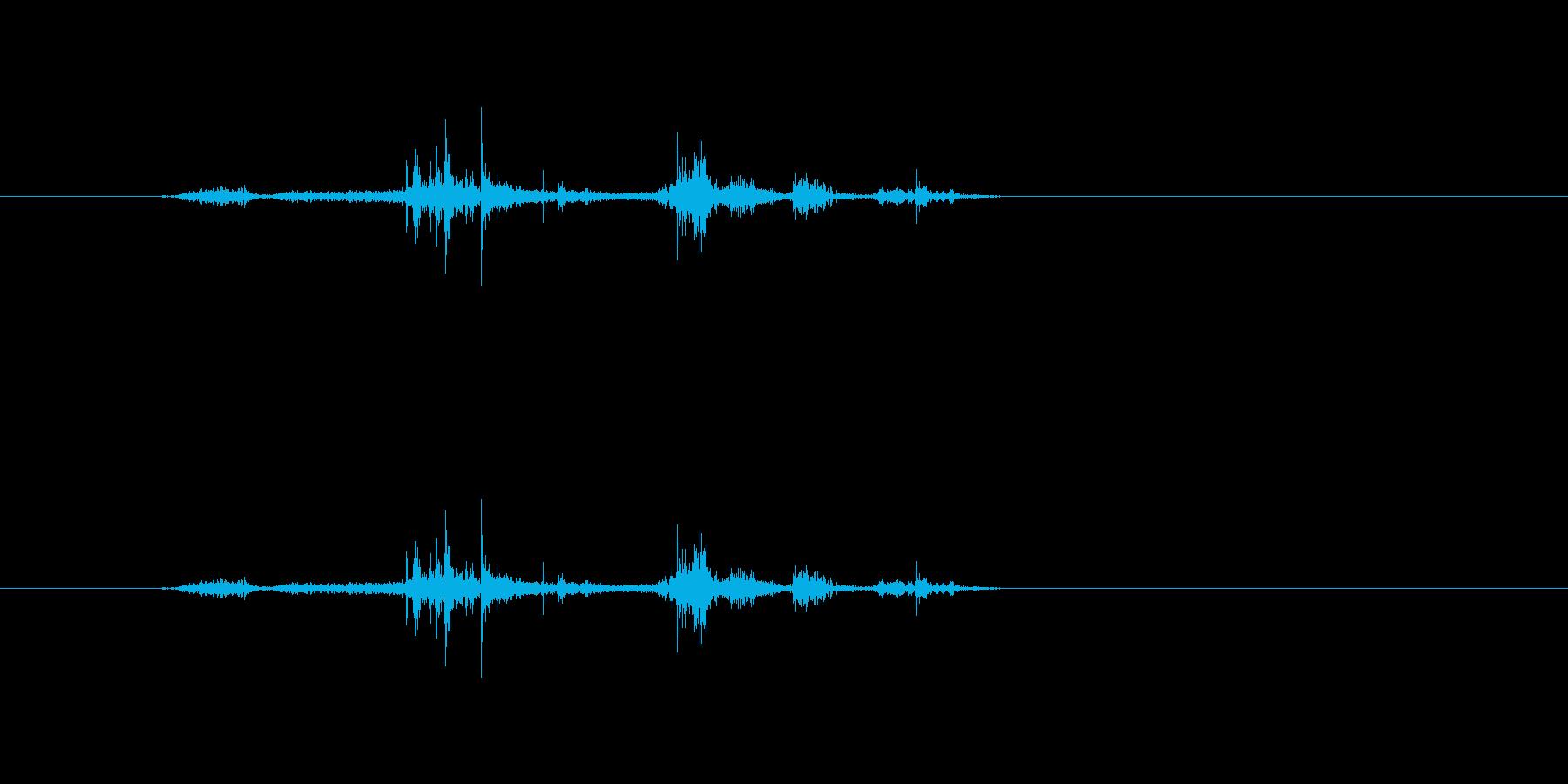 【雑誌01-2(めくる)】の再生済みの波形