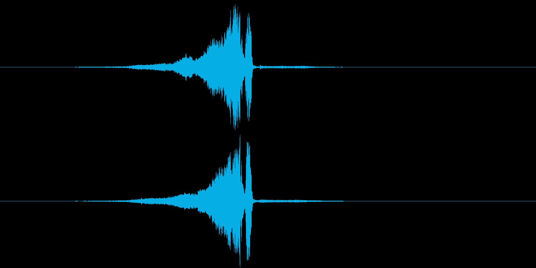 スーーー 剣を鞘から抜く音 金属同士が…の再生済みの波形