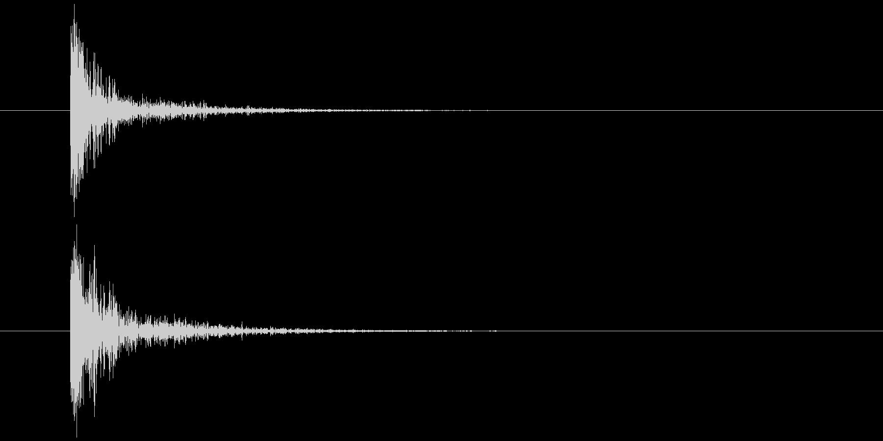 爪を切る パチッ (勢いよく)の未再生の波形