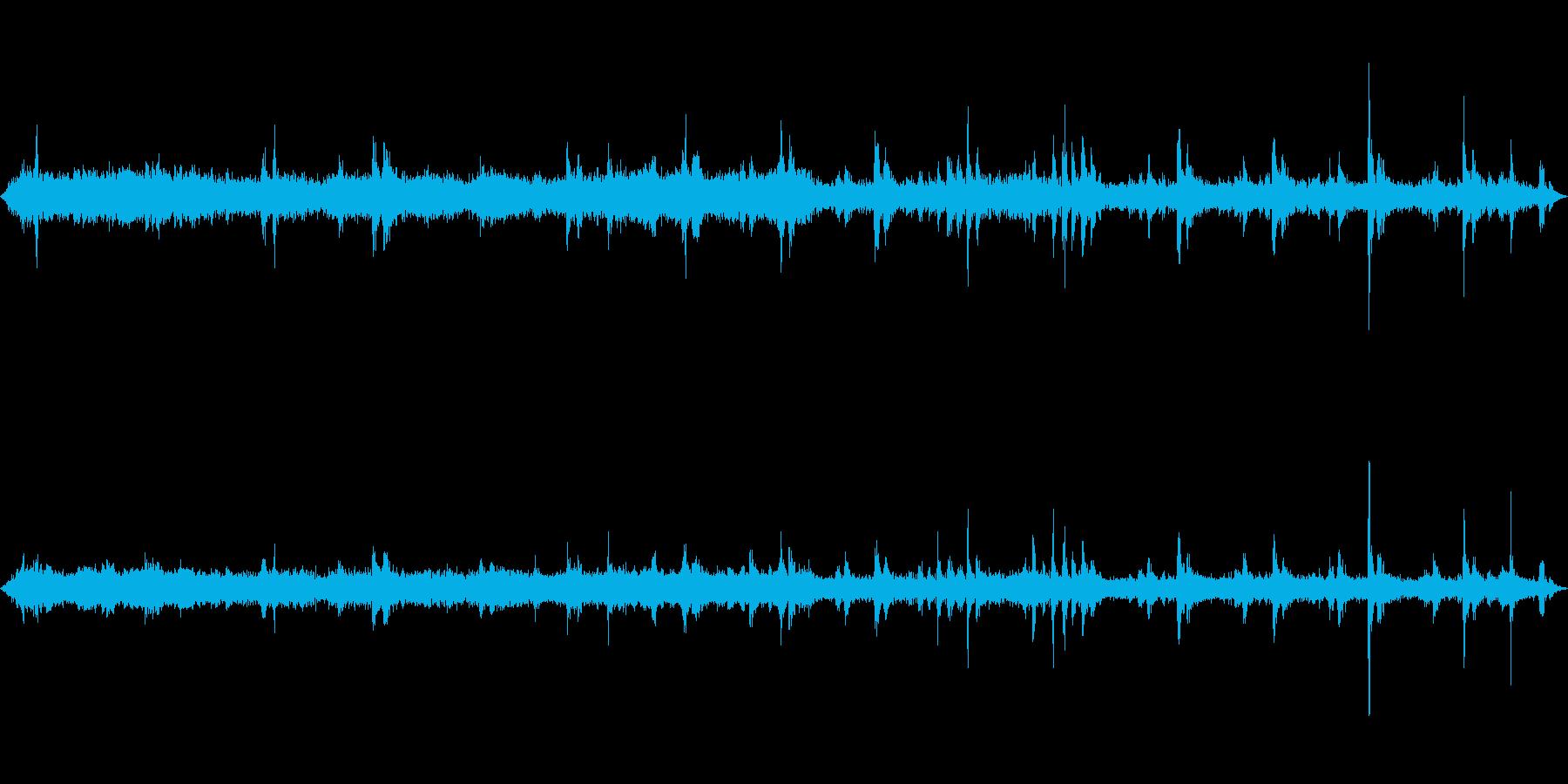 古い電車 車内 ガタンゴトン モーター音の再生済みの波形