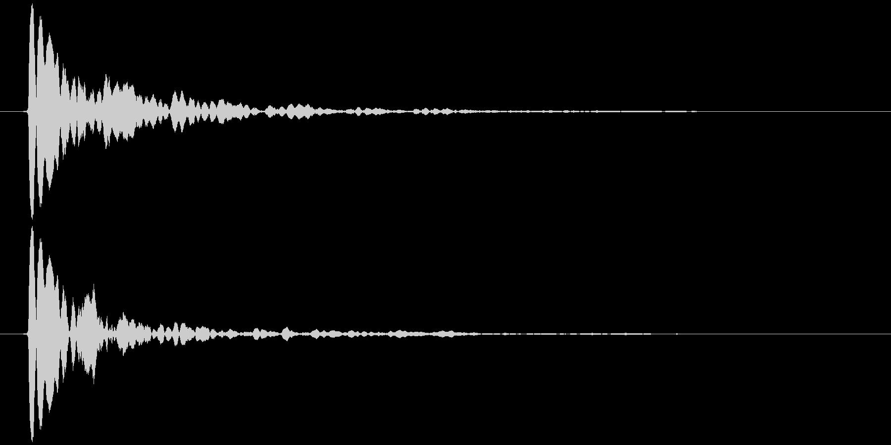 水滴 一滴 カッ(鋭く、低め)の未再生の波形