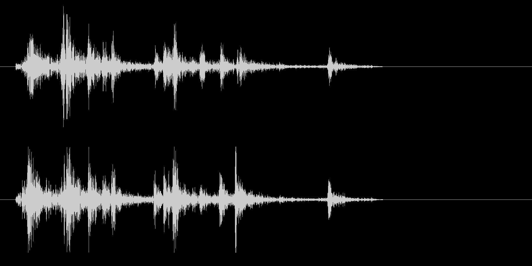 シャッター音(短くカシャリとした音)の未再生の波形