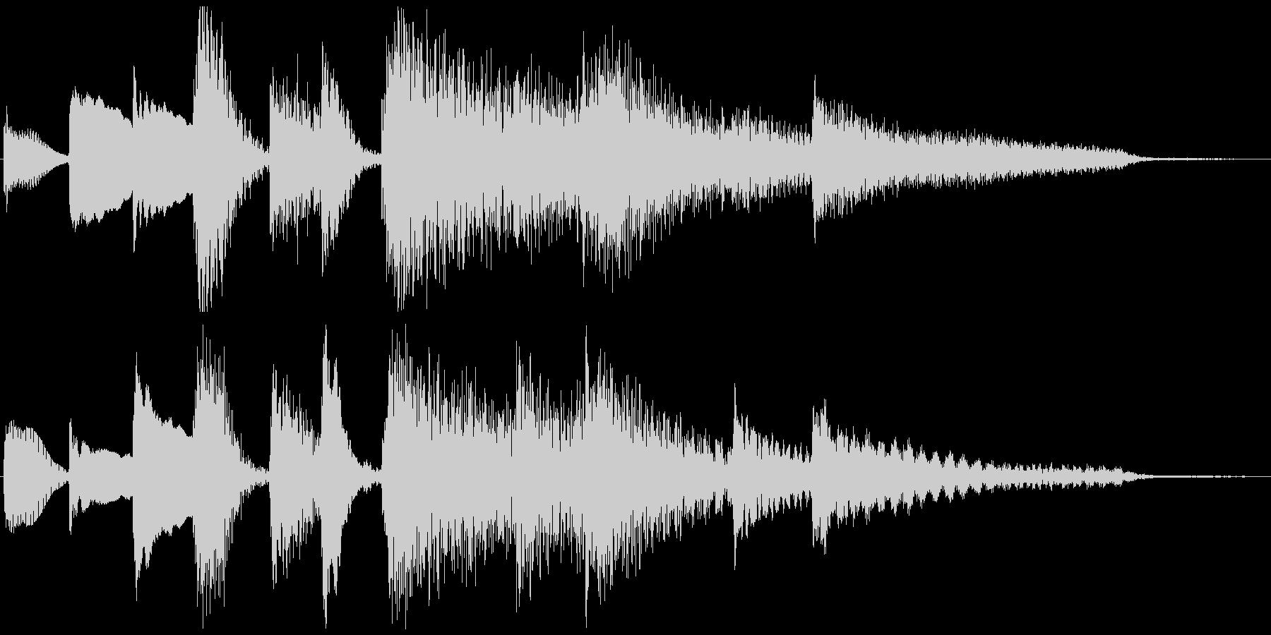 ピアノのプレーンなジングル 5秒の未再生の波形