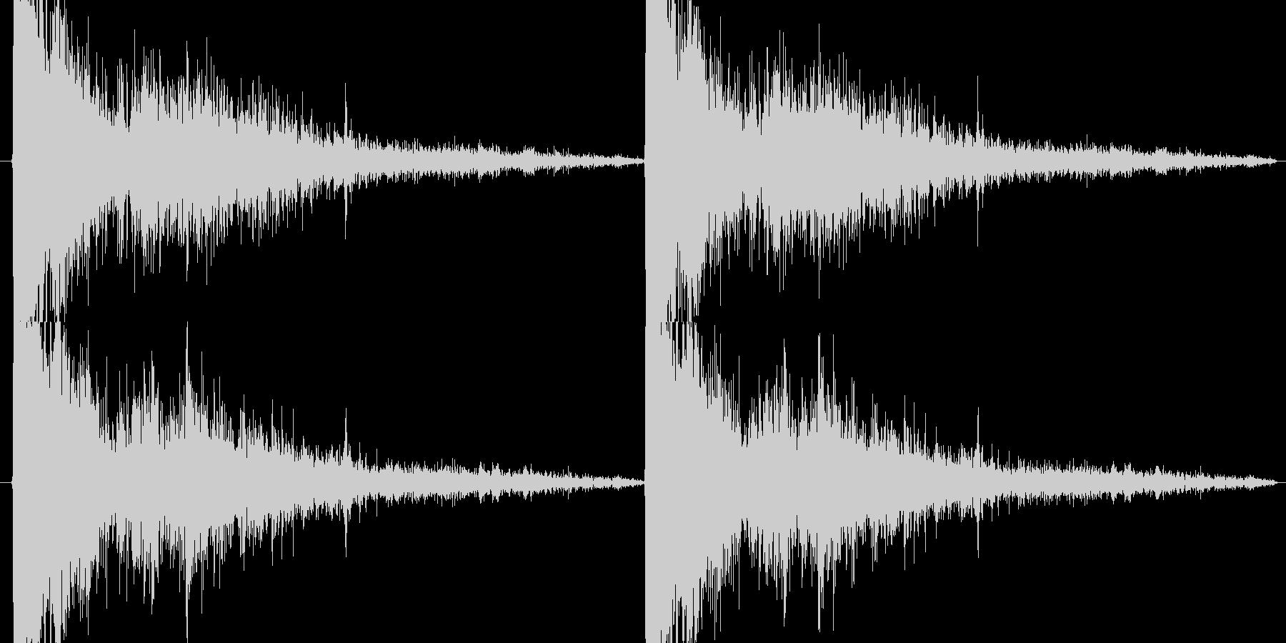 スナイパーライフル系の発砲音の未再生の波形