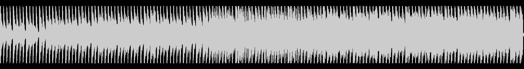 怪しい雰囲気の4つ打ちピアノナンバーの未再生の波形