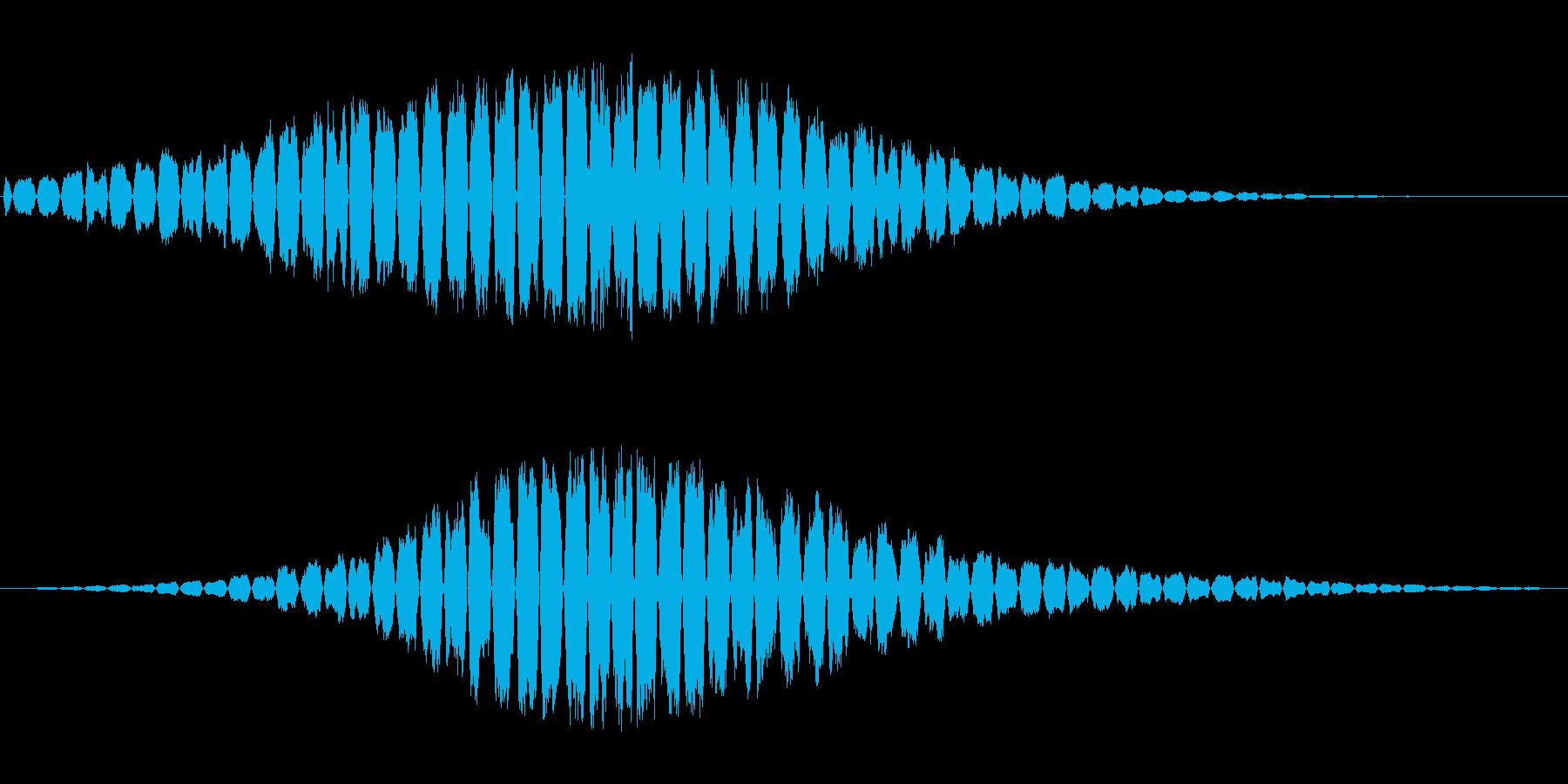 高音で機械的な通過音の再生済みの波形