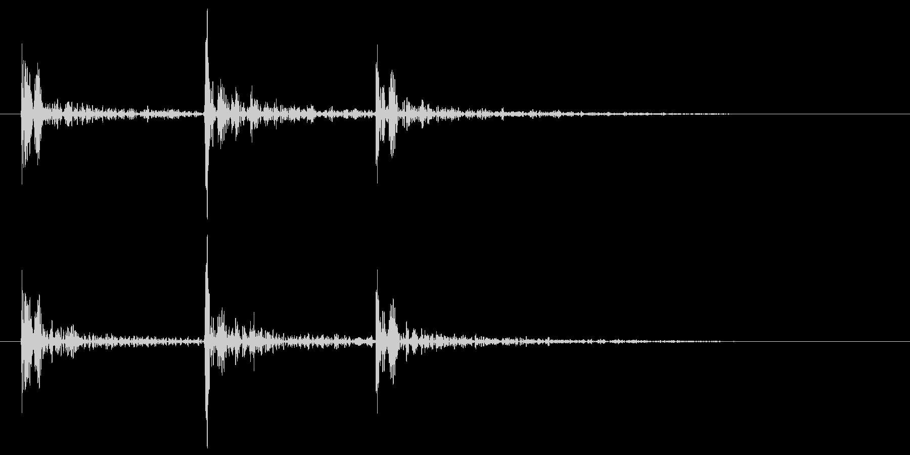 ドアノック 3回 トントントン コンコンの未再生の波形