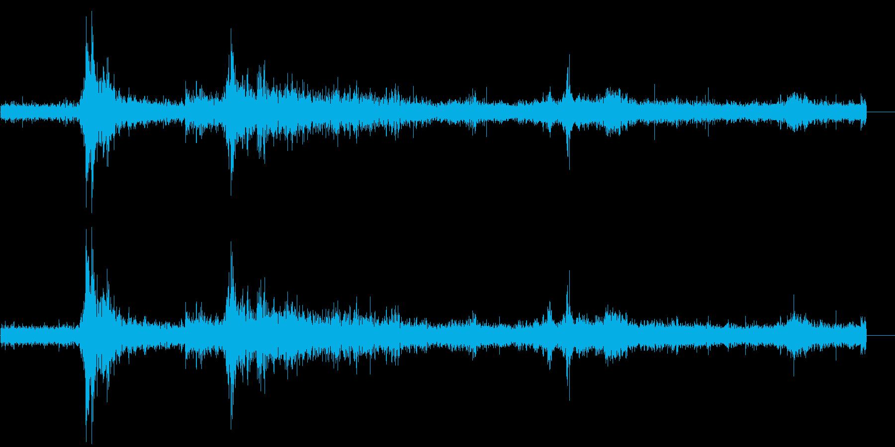ゴロゴロ(雷雨の音)の再生済みの波形