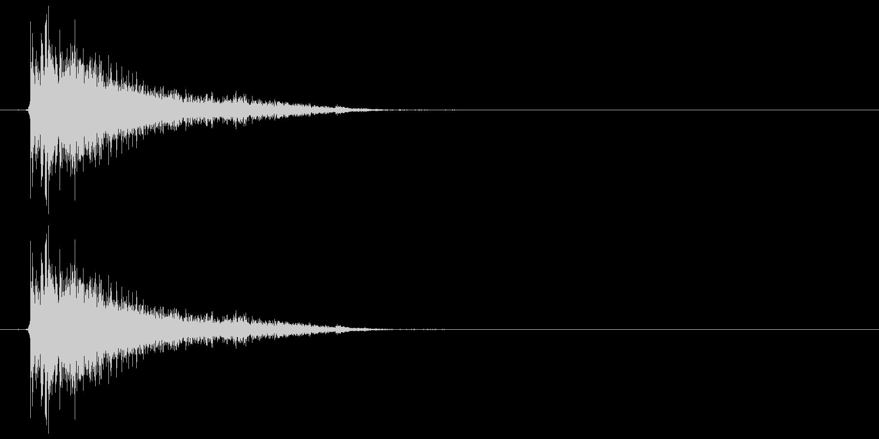 バスドラム+シンバル(ビシィー)の未再生の波形