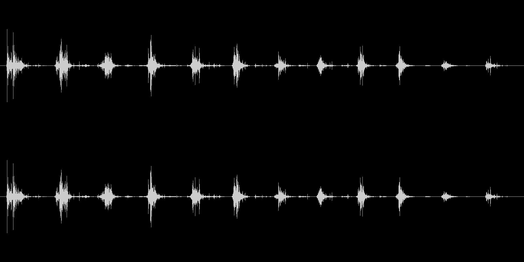 ボリボリボリ(おかきを食べる音)の未再生の波形