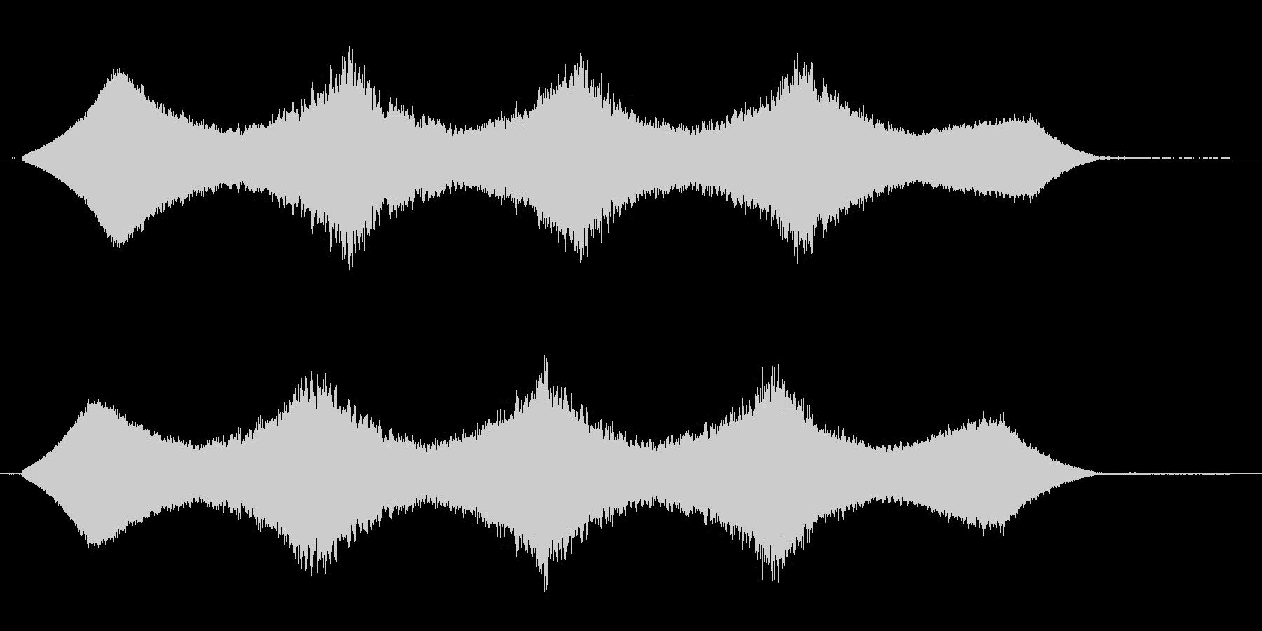 キーンとした機械の作動音の未再生の波形