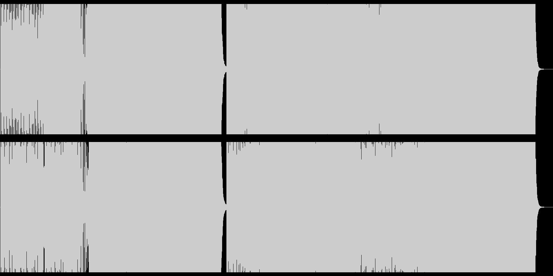 アップテンポでダンサブルなテクノポップの未再生の波形