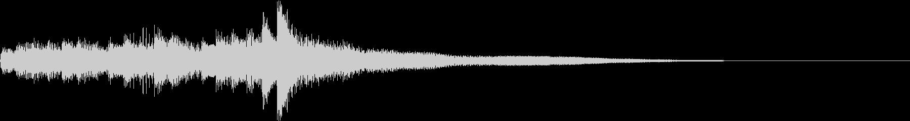 不思議なアルペジオのピアノジングルの未再生の波形