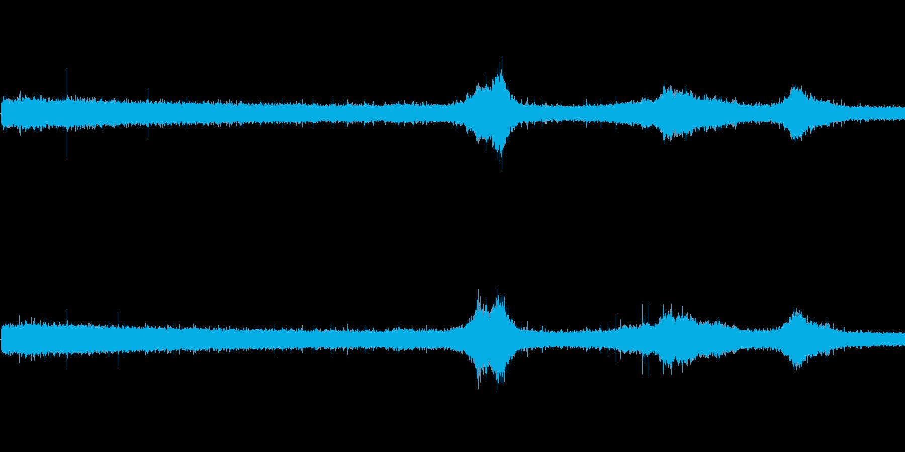 【生音】雨の日の通行音 - 1 雨 車…の再生済みの波形