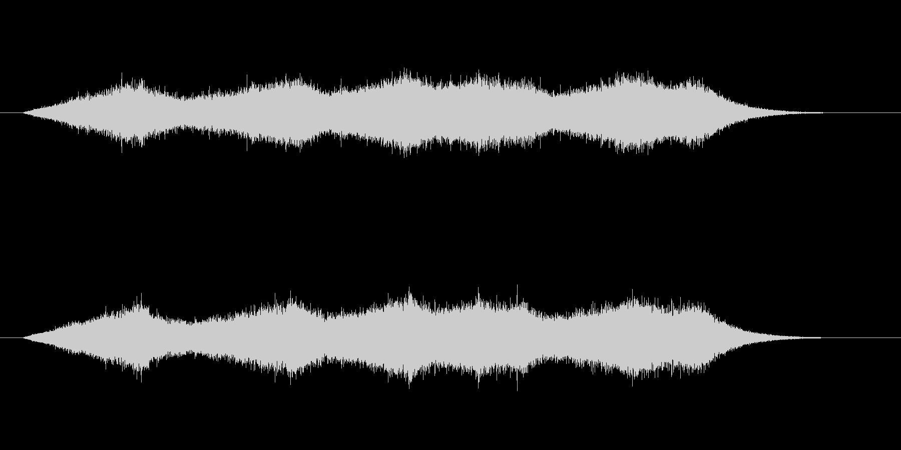 少し強い波の音の未再生の波形
