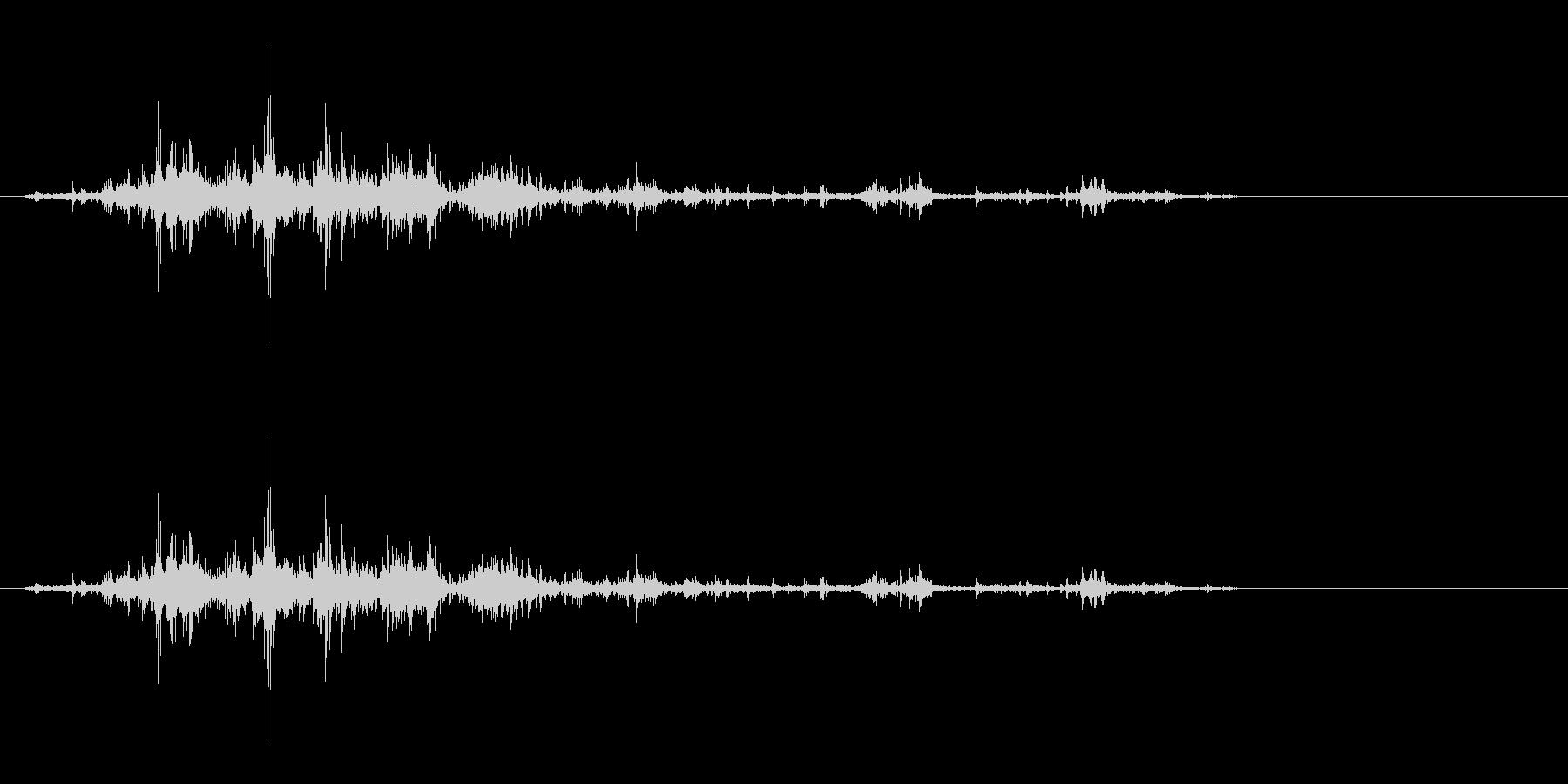 音侍「ガラガラ…」木片シェーカーの振り音の未再生の波形