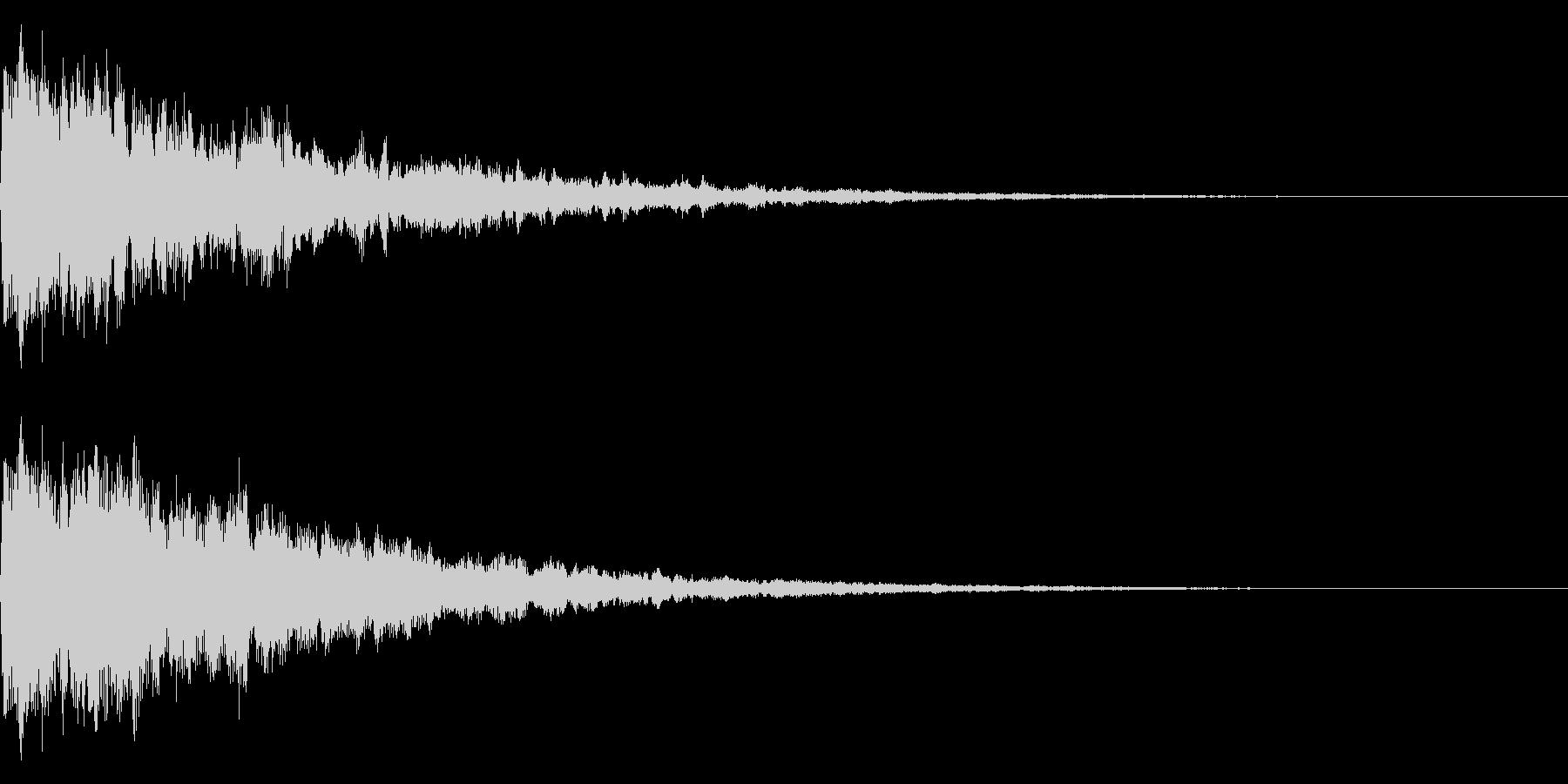 小さな鐘、鈴のイメージ(エコー付き)の未再生の波形