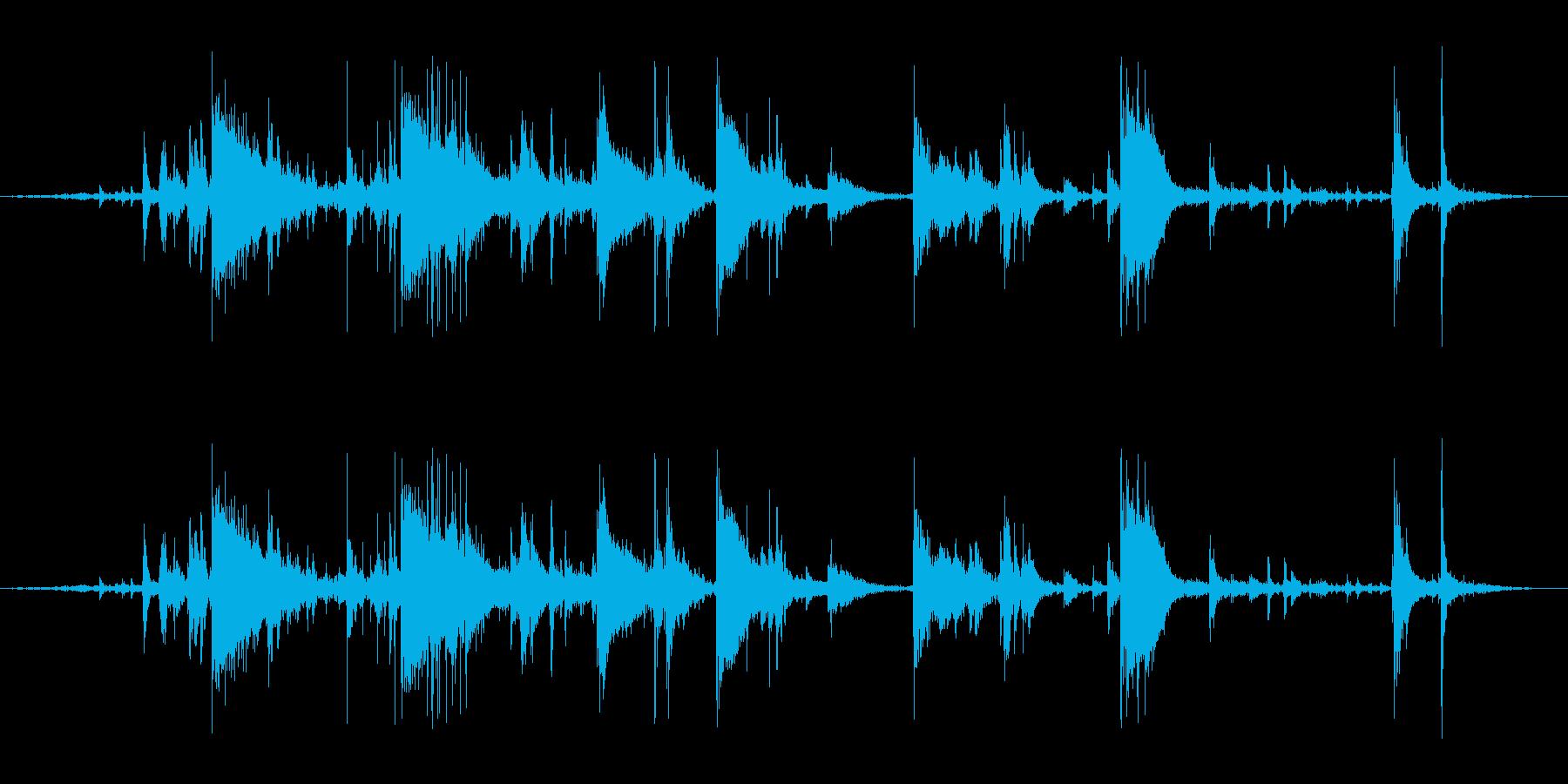 氷を入れる音(カランカラン、チンチロリンの再生済みの波形