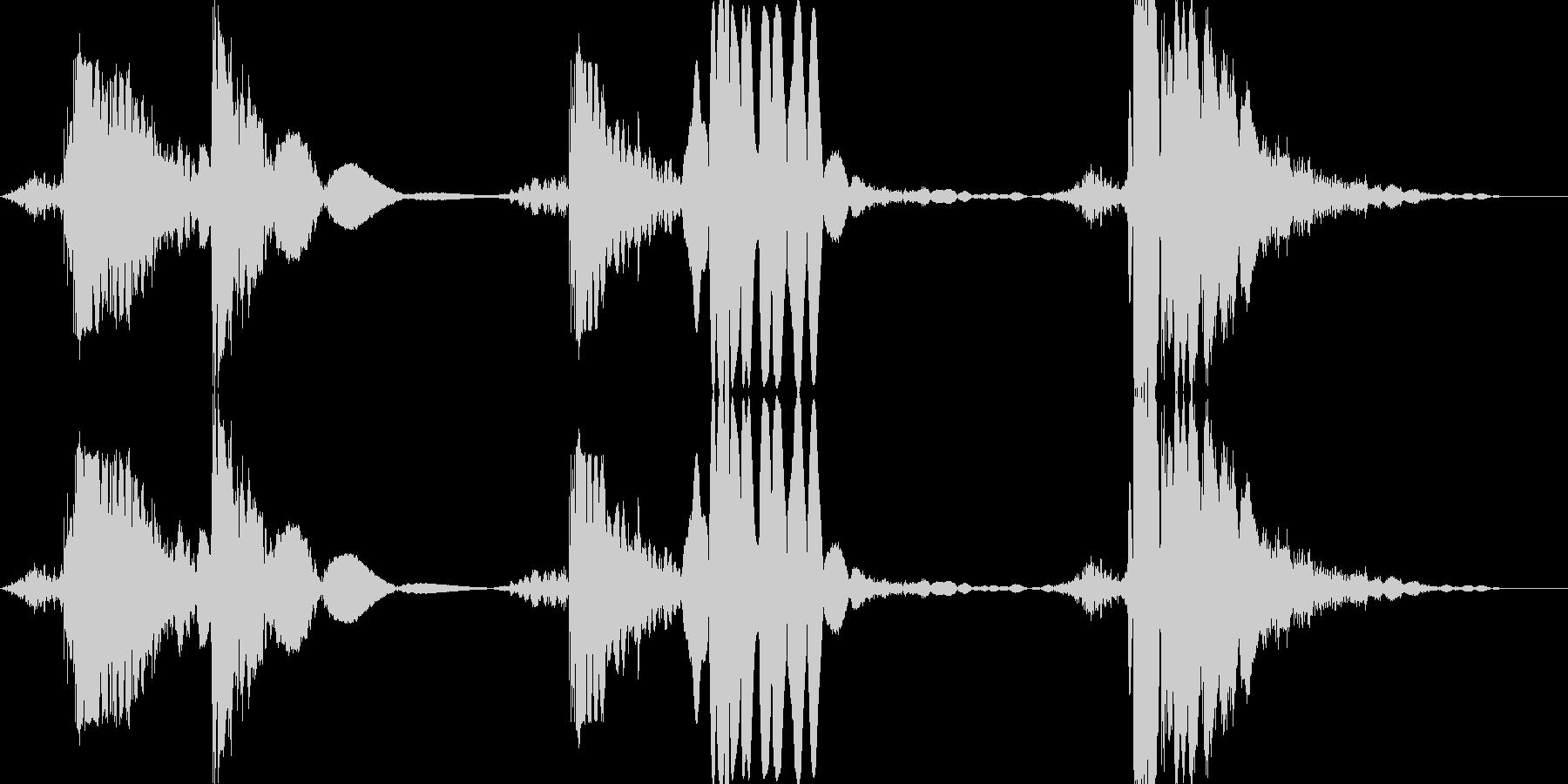 打撃 パンチ&キックの5ヒットコンボの未再生の波形