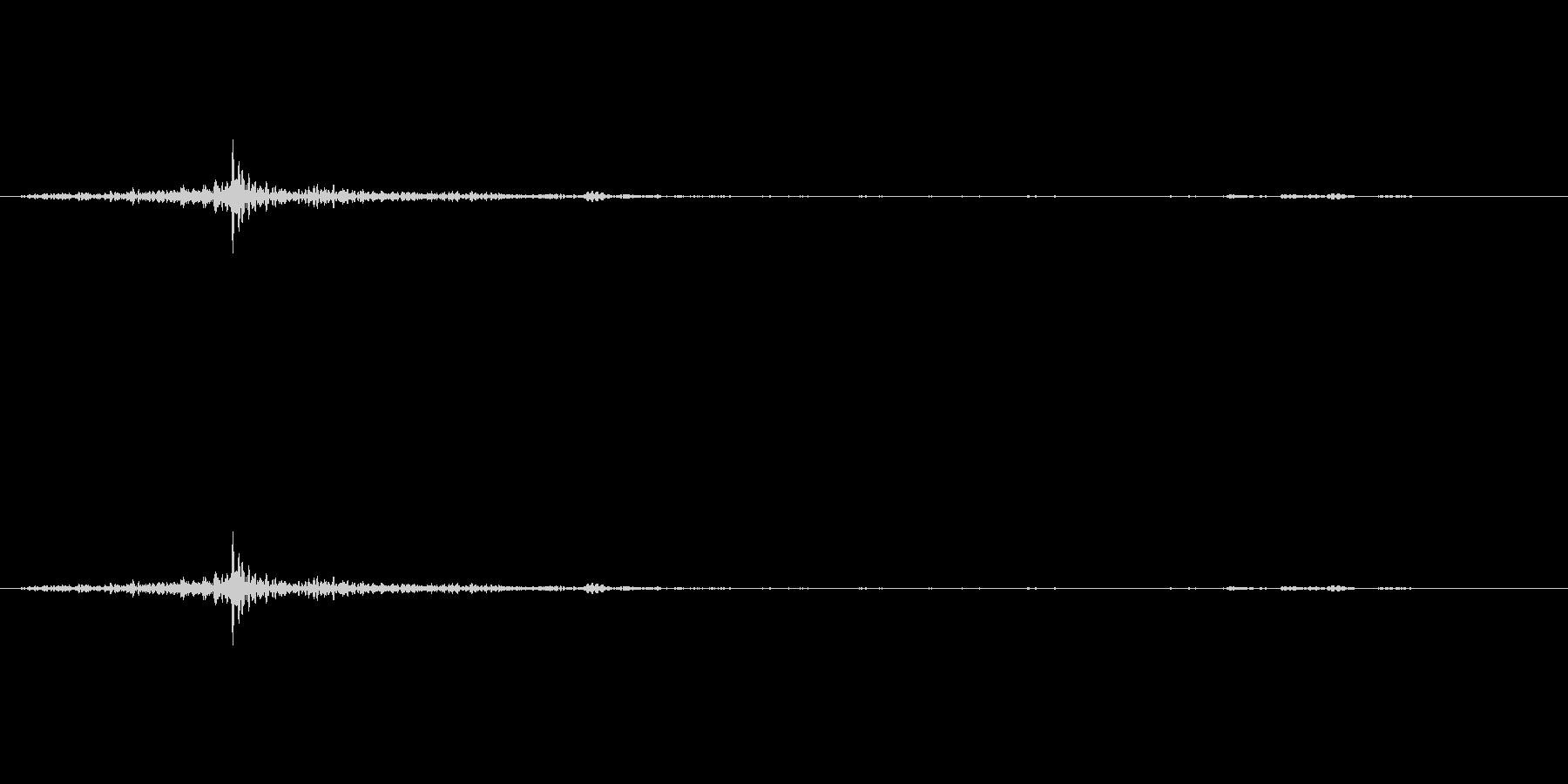 【生音】ガシャン!という鍵を回す音の未再生の波形