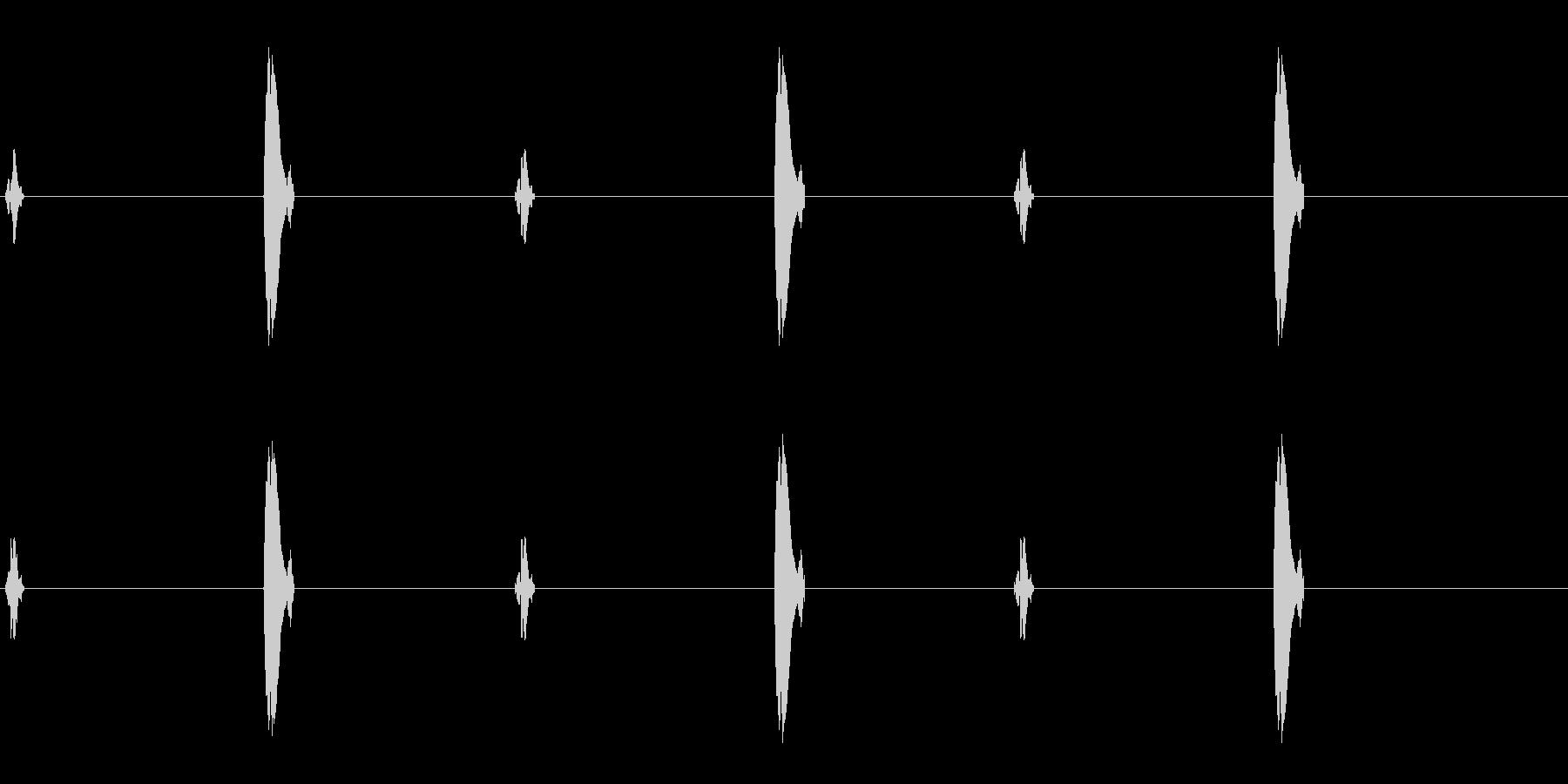 キュッ ッポ の一定リズム音の未再生の波形