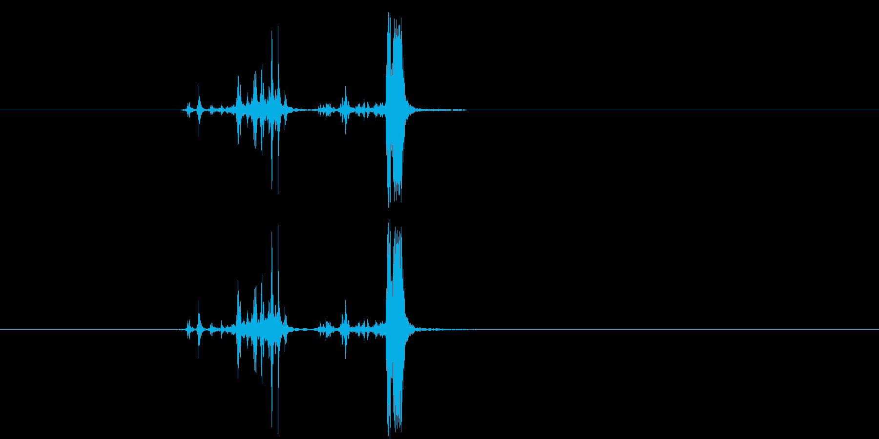 カッシャ(銃弾を装填する音01)の再生済みの波形