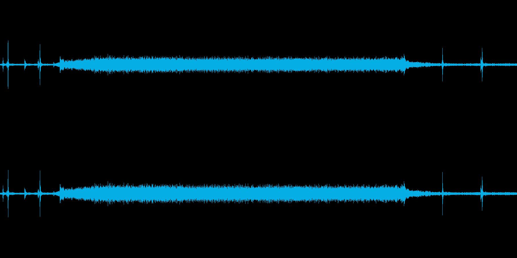 電子レンジで暖めている時の音です。の再生済みの波形