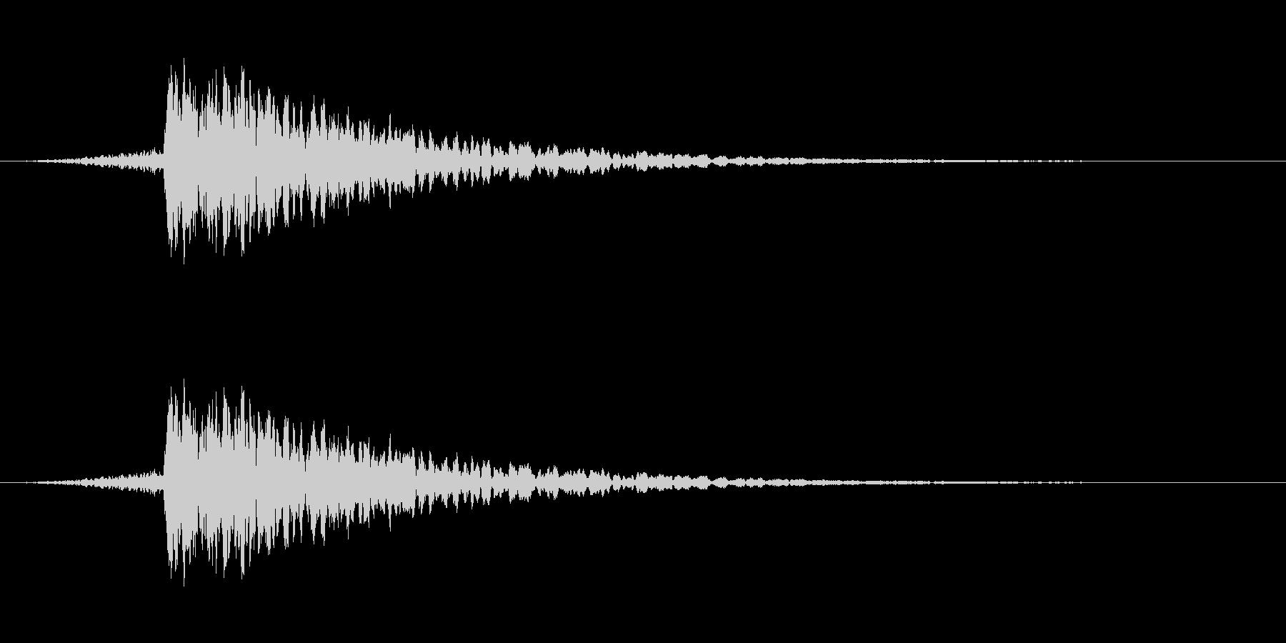 カキーン(剣戟の決定音)の未再生の波形
