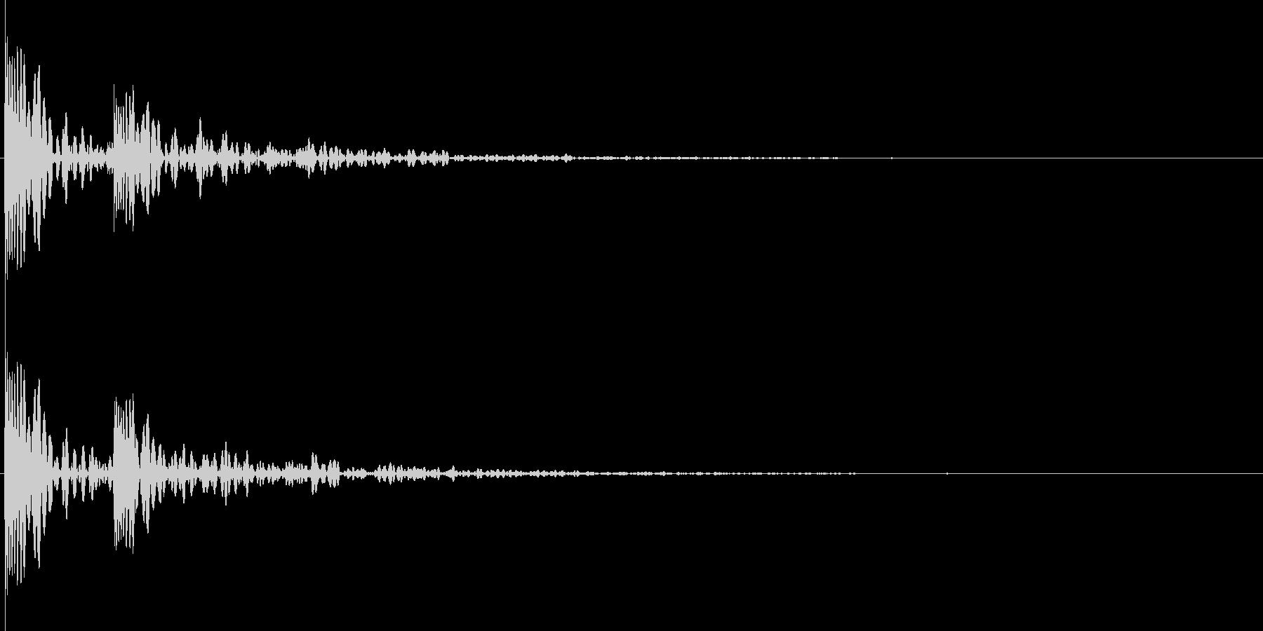 ドクーン。心臓の音B(残響あり)の未再生の波形