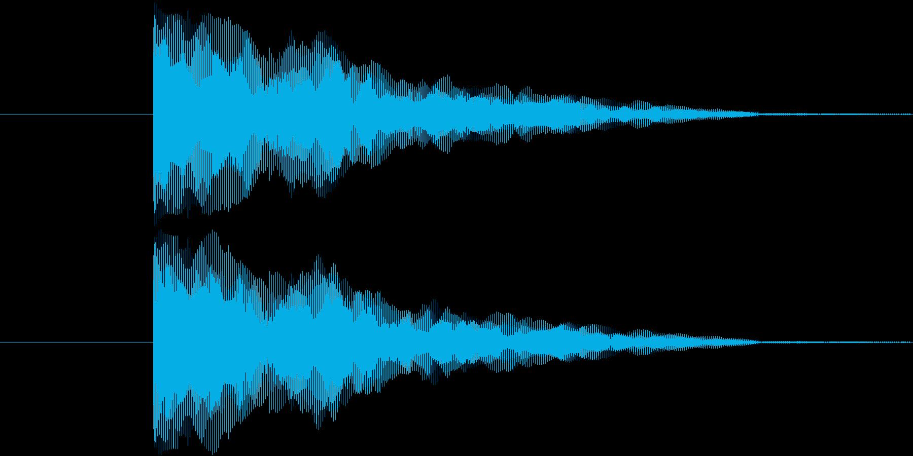 映画の予告編とかでよく使われる類の音を…の再生済みの波形