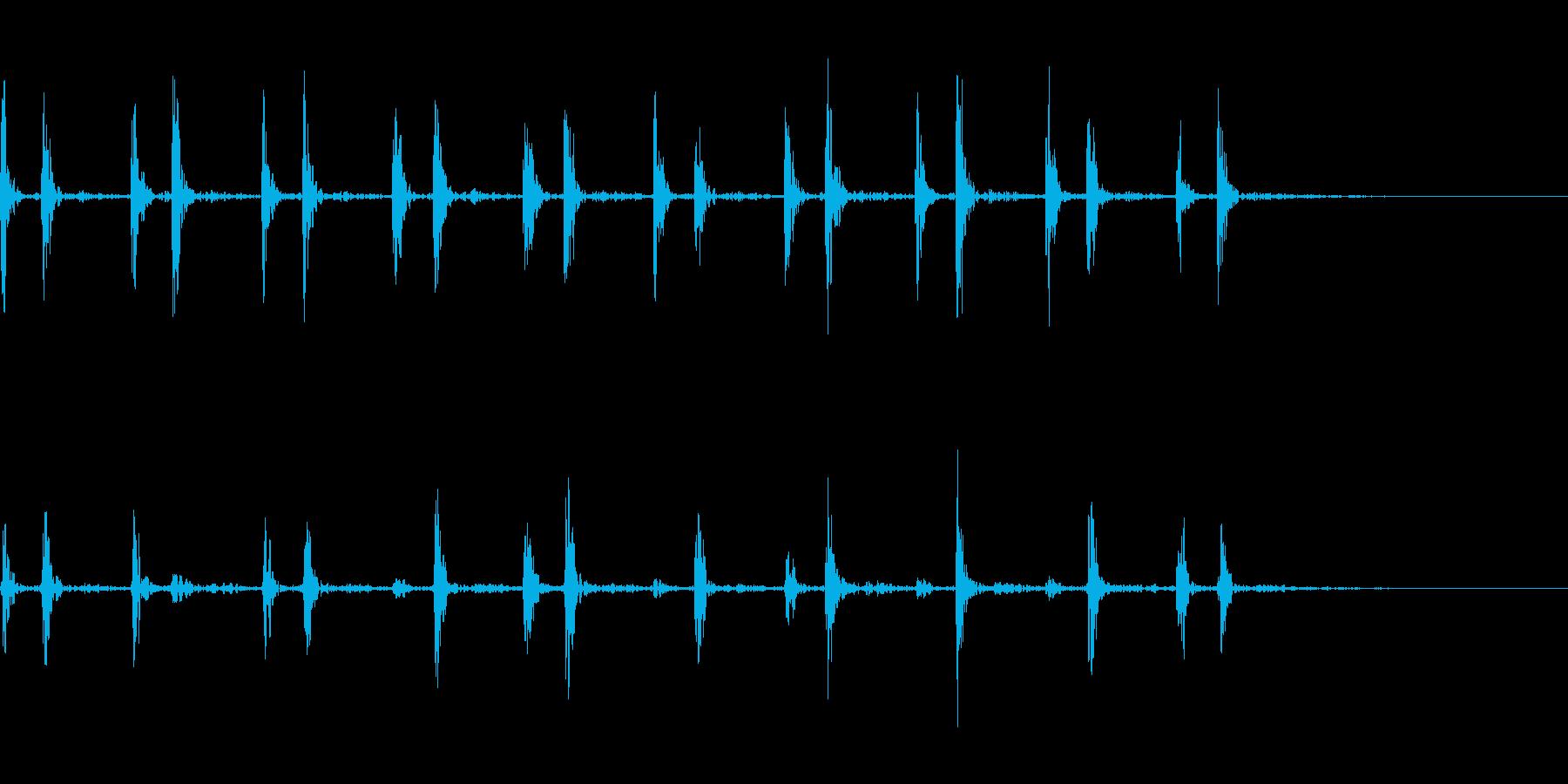 心臓の鼓動の再生済みの波形
