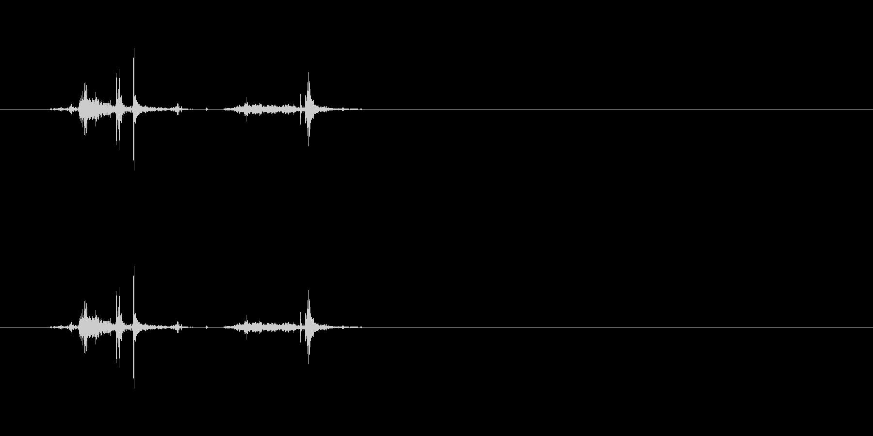 【穴あけパンチ01-3(パンチ)】の未再生の波形