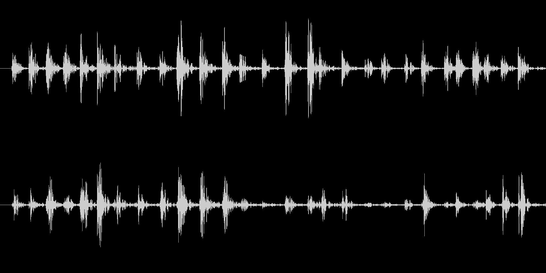 何かが走り回る足音の未再生の波形