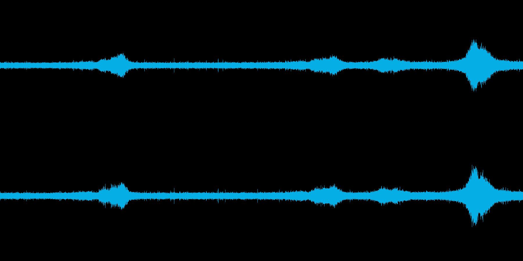 【生音】雨の日の通行音 - 5 雨 車…の再生済みの波形