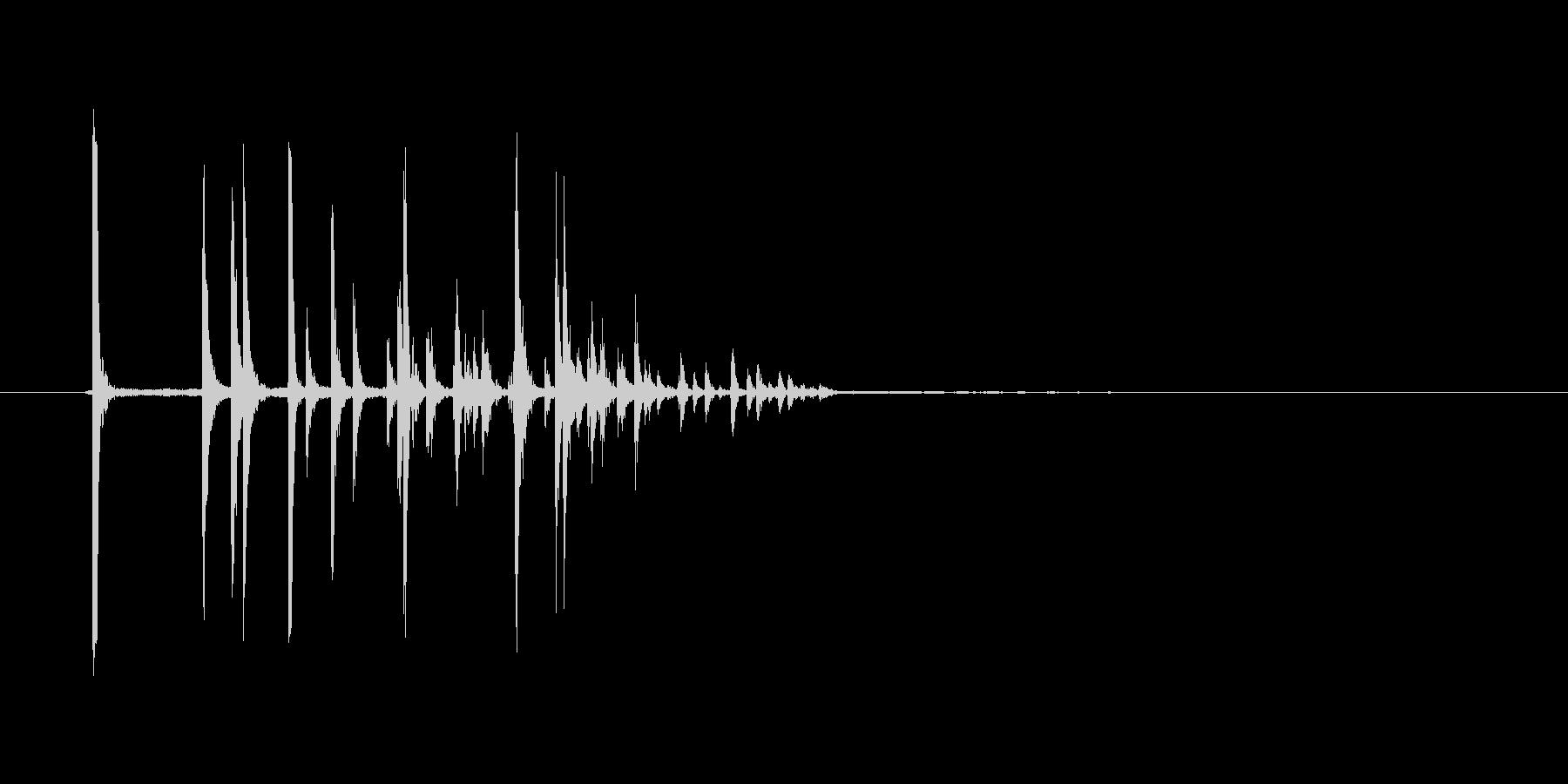 コロコロコロ(サイコロが転がる音)の未再生の波形