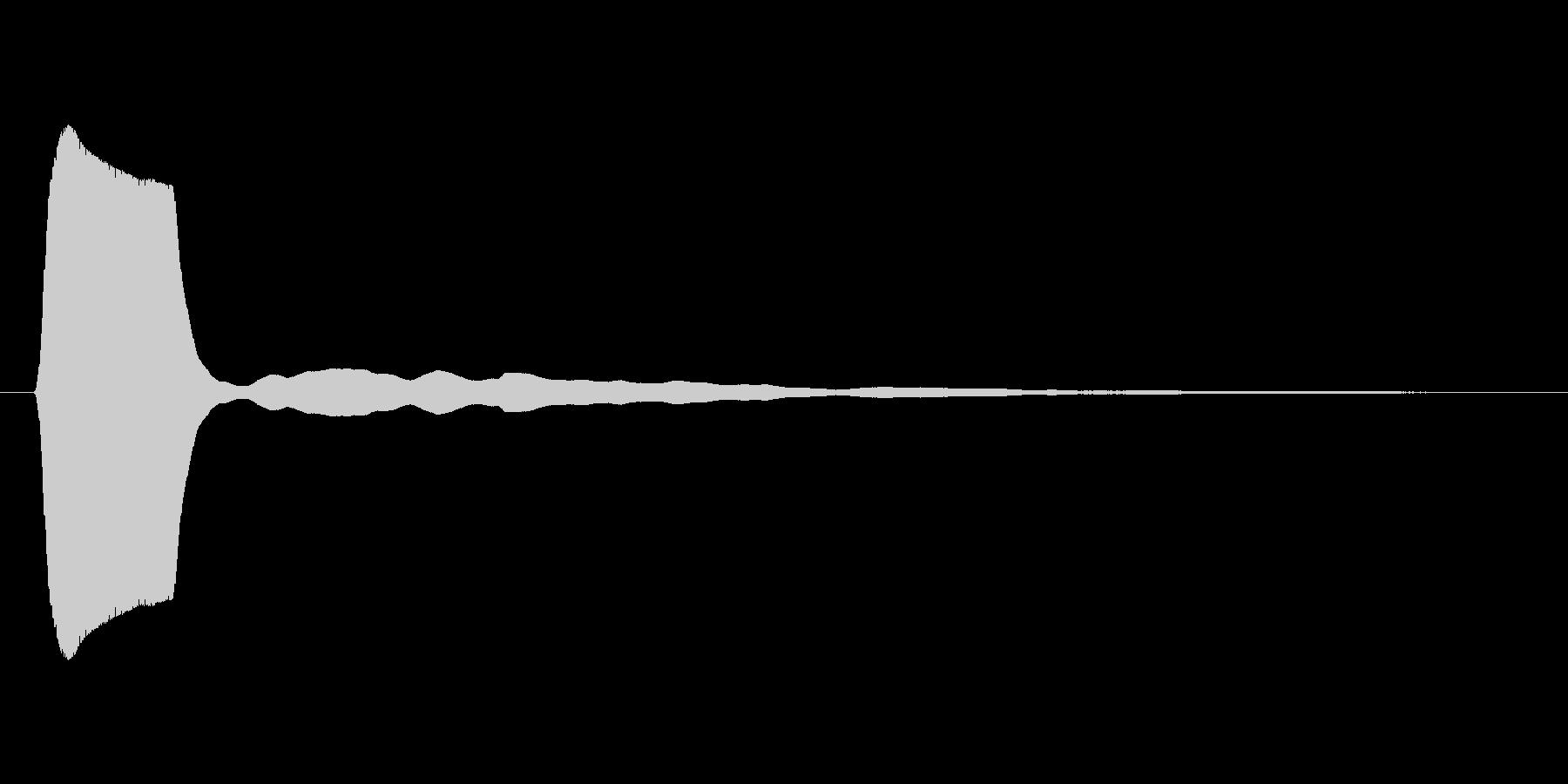 低音のソナーのような短信音の未再生の波形