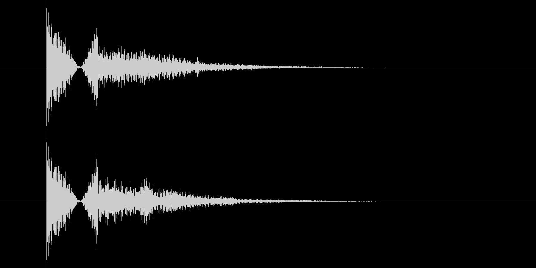 金属系の物音の未再生の波形