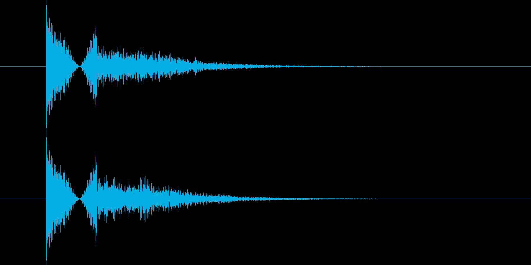金属系の物音の再生済みの波形