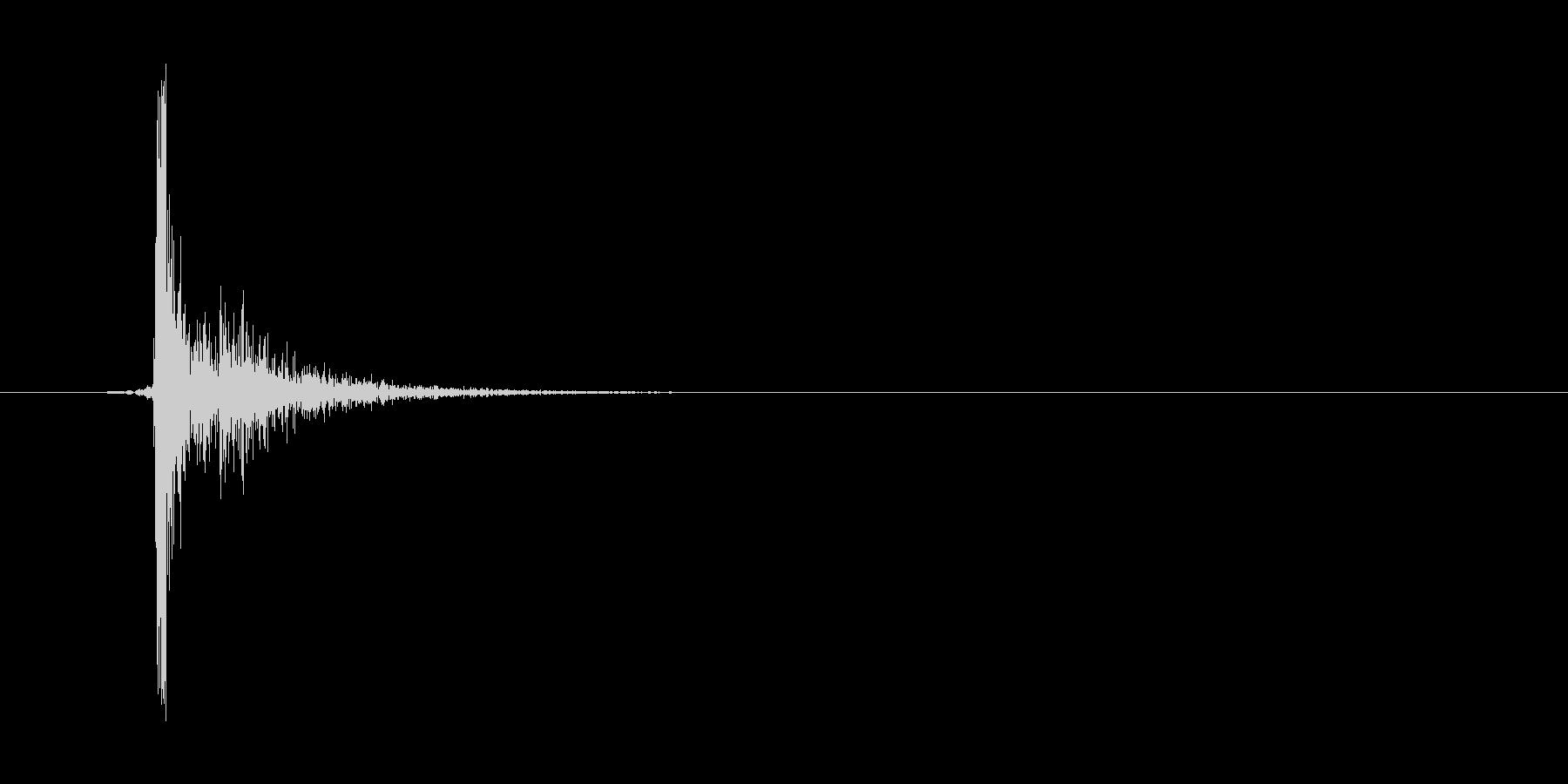 パチッ(スイッチ、電気をつける)の未再生の波形